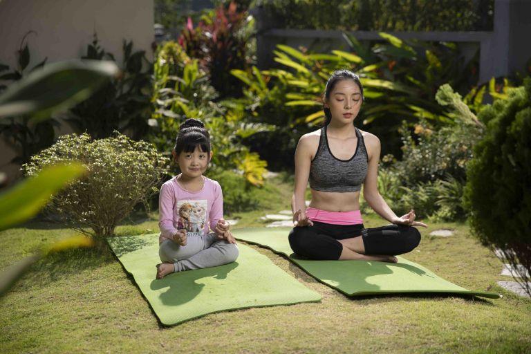 Đến Shoji Home bạn sẽ được thư giãn với không gian tập yoga; hay các hoạt động trèo thuyền, đạp xe ngắm hồ và khám phá rừng tự nhiên.