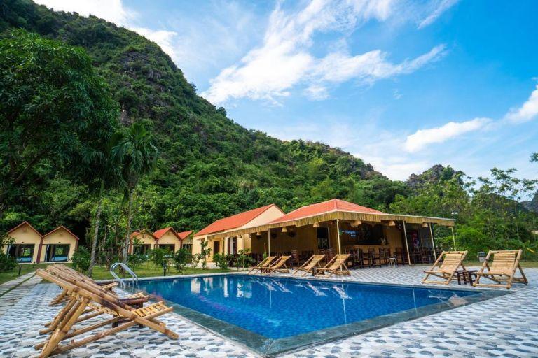 Trang An Retreat view bể bơi