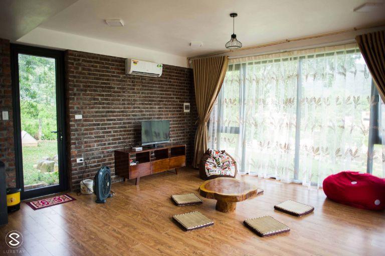 Phòng ở được thiết kế khá đơn giản nhưng cũng chính vì điều này lại rất an toàn và phù hợp cho những gia đình có trẻ nhỏ.