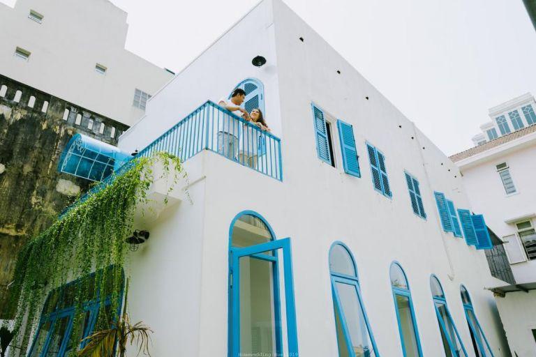 Nếu bạn đang muốn tìm một nơi dừng chân đẹp lạ thì Tò Vò Homestay chính là địa điểm lý tưởng. Kiến trúc được thiế kế bởi mái vòm rộng và gam màu xanh tươi mát làm chủ đạo.