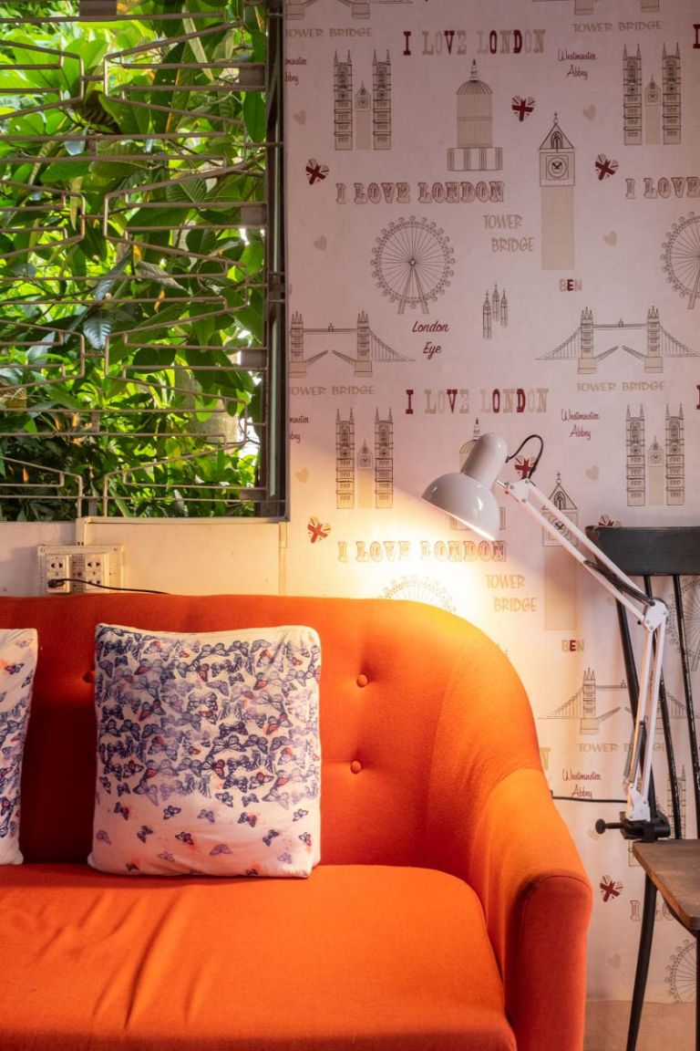 Green Home Homestay dành tất cả những gì tuyệt vời nhất cho căn hộ xinh đẹp này. Thiết kế chủ đạo của căn nhà với rất nhiều tông màu xinh xắn. Vẻ đẹp này hiện đại nhưng cũng không kém phần ấm cúng mang đến cho bạn cảm giác như đang ở trong chính ngôi nhà của mình vậy.