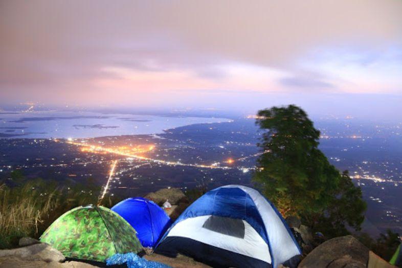 Cắm trại núi Bà Đen