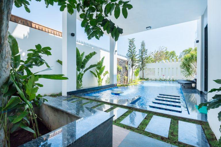 bể bơi sang trọng tại villa