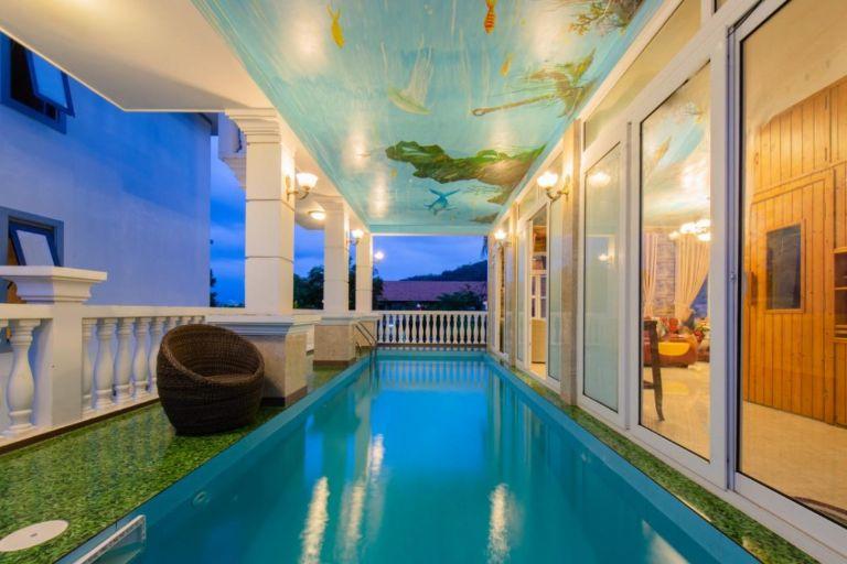 Bể bơi riêng tại homestay Nha Trang