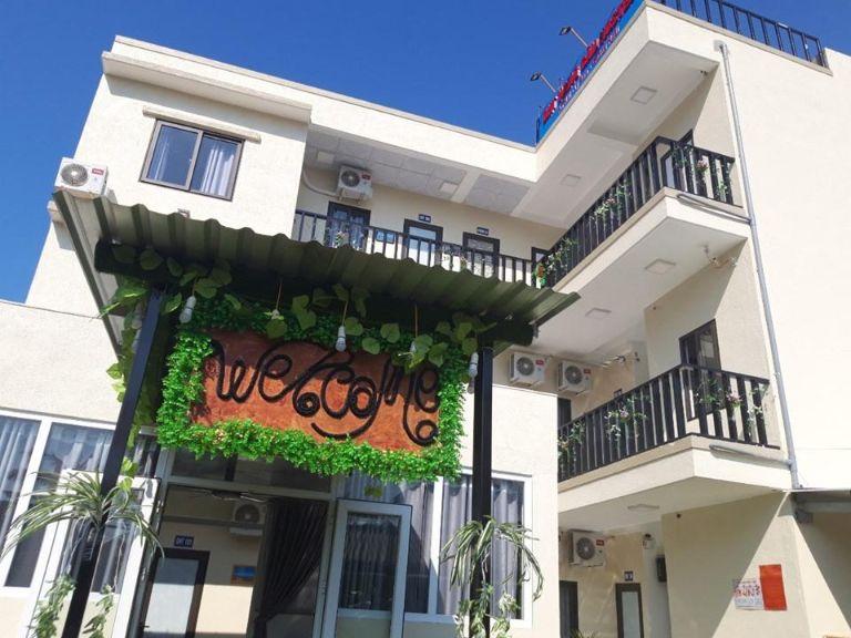DHT Hang Câu Hostel
