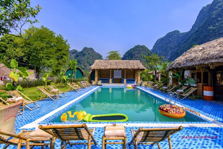 Trang An Bungalow With River & Moutain View