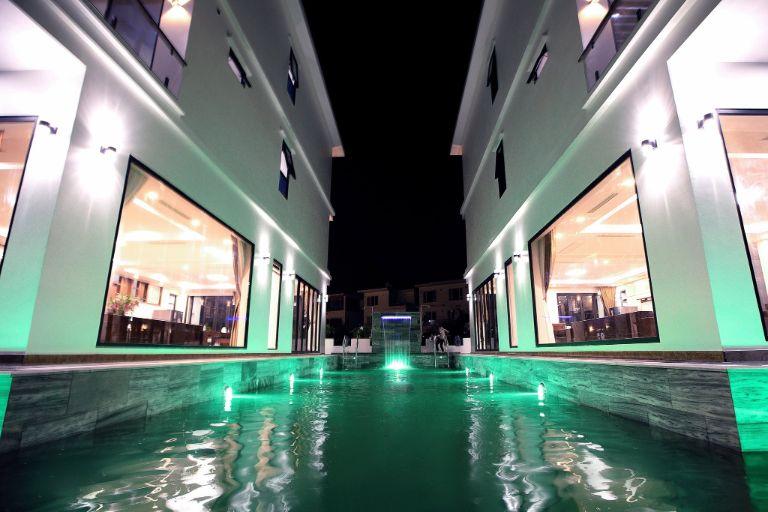bể bơi tại garden villa