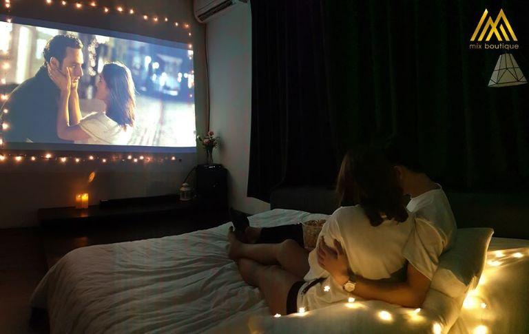 xem phim lãng mạn cho các cặp đôi tại mix homestay