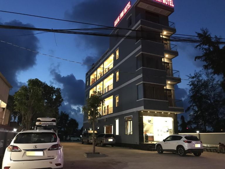 quang vinh motel