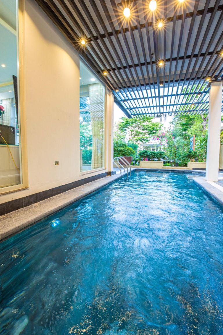 bể bơi trống đồng villa