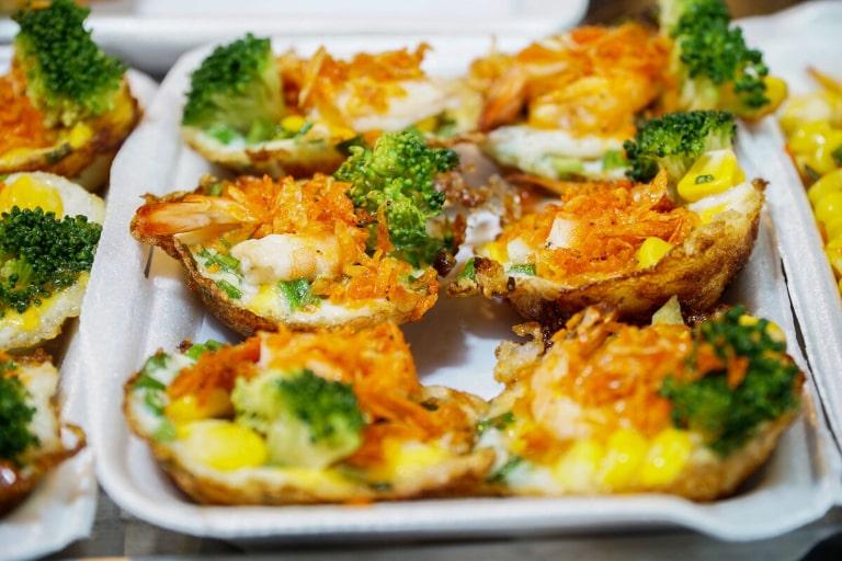 Bạn nên chọn hàng hải sản tươi sống để ăn