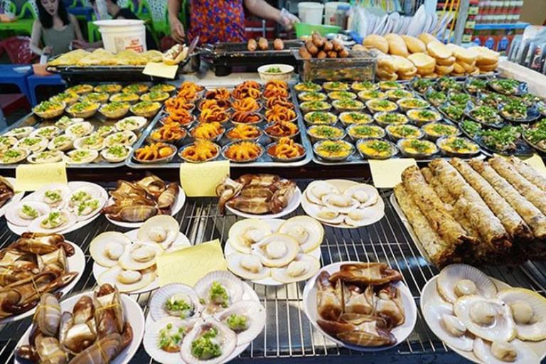 Mức giá đồ ăn ở chợ đêm Phú Quốc rất hợp lý