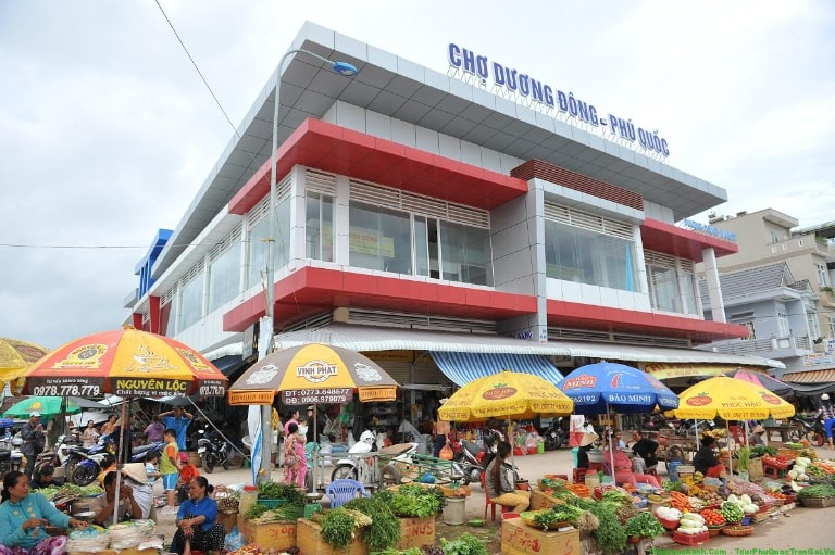 The market is located on Tran Phu street, you can travel by means of transport to get to the market