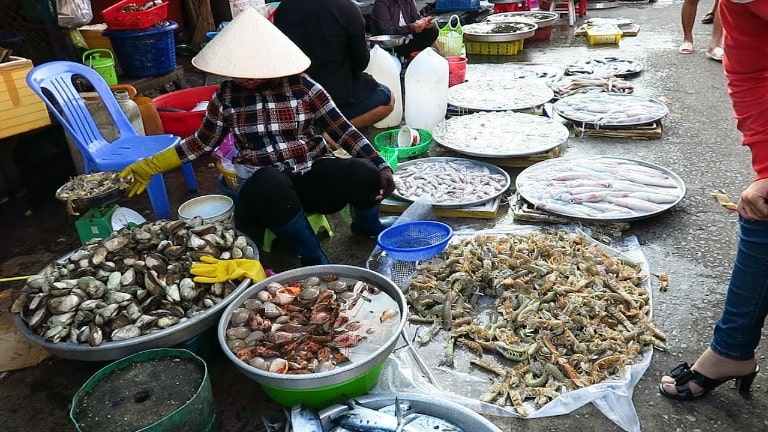 Duong Dong Market Phu Quoc sells a lot of local products