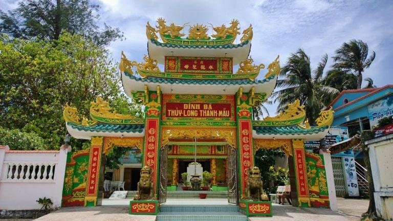 Đền thờ người có công khai phá ra đảo