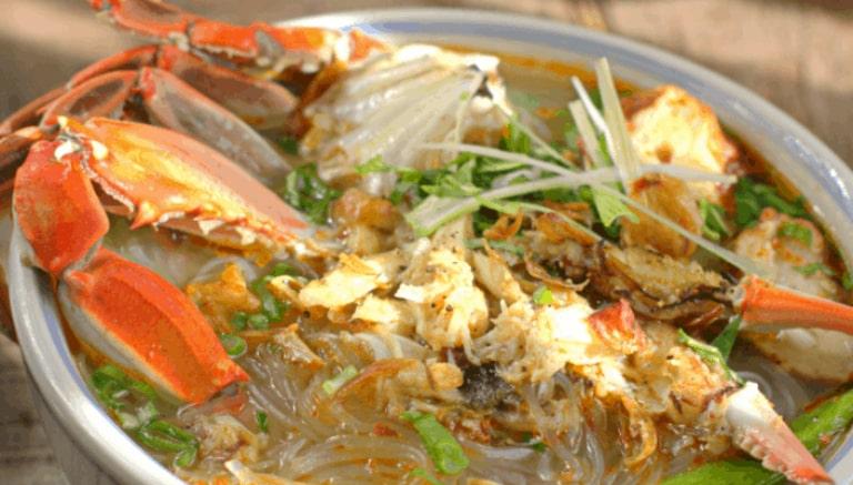 Địa điểm ăn uống nằm ngay trung tâm của Phú Quốc
