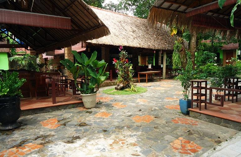 Địa điểm ăn uống tại đảo ngọc này có nhiều món ăn hấp dẫn