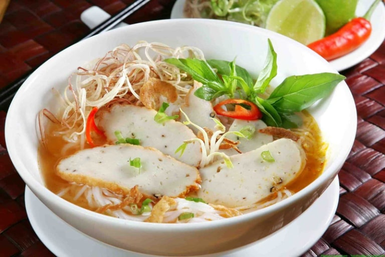 Địa điểm ăn bánh canh chả cá ngon có tiếng tại Phú Quốc