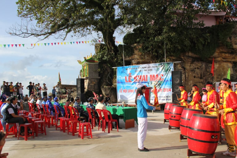 Đây chính là lễ hội lớn nhất được diễn ra ở Dinh Cậu