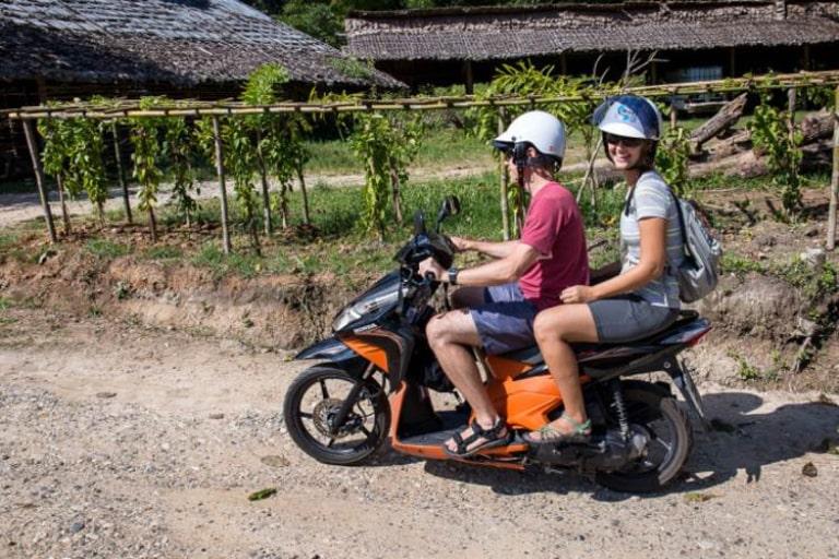 Xe máy là phương tiện di chuyển dễ dàng nhất