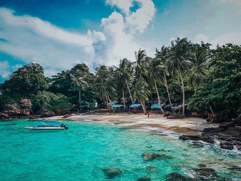 Một trong 22 hòn đảo của Đảo Phú Quốc, Kiên Giang