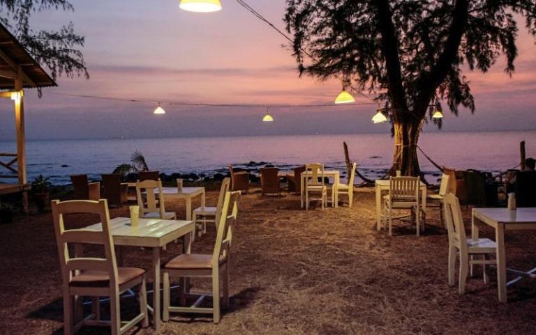 Cảnh sắc ở đây tuyệt đẹp khi màn đêm buông xuống trên đảo Phú Quốc