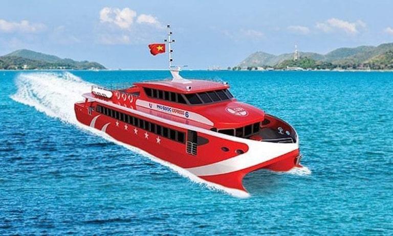 Bạn sẽ có trải nghiệm cực kì thú vị ở các tàu cao tốc đi Phú Quốc