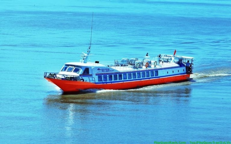 Tàu vẫn có thể hoạt động và chạy tốt khi biển động hoặc có mưa to