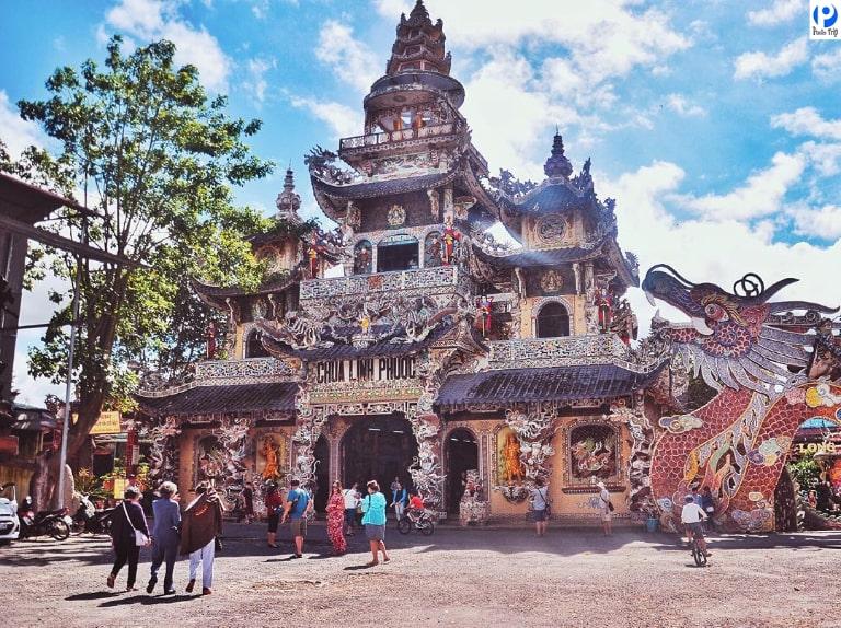 Ngôi chùa có những kiến trúc vô cùng độc đáo và ấn tượng