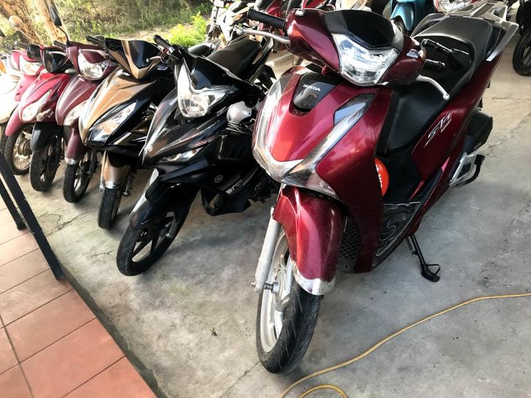 Thuê xe moto tự lái
