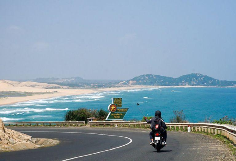 Khám phá Cam Ranh bằng xe máy