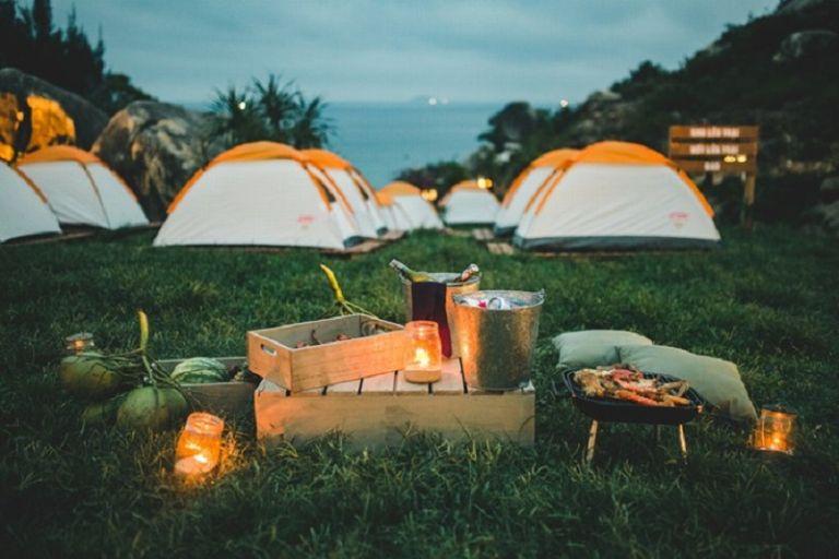 cắm trại tại Đồng Mô