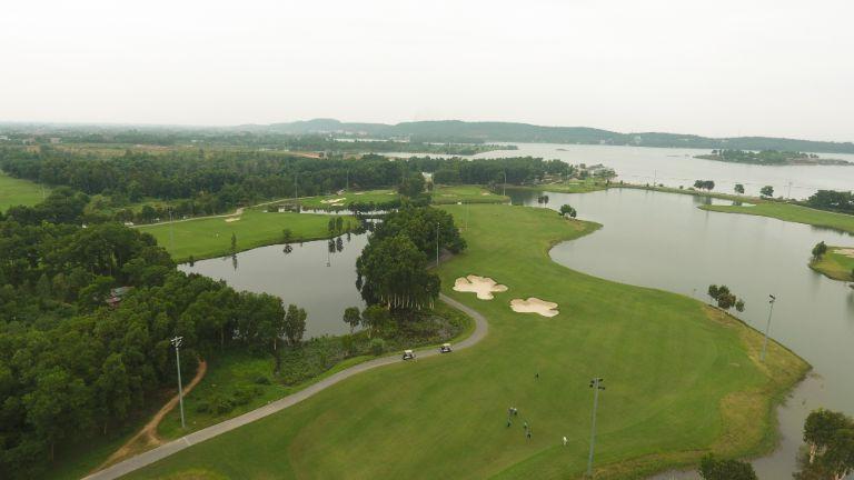 Sân Golf Đại Lải sang trọng bậc nhất với hệ thống lỗ đẳng cấp