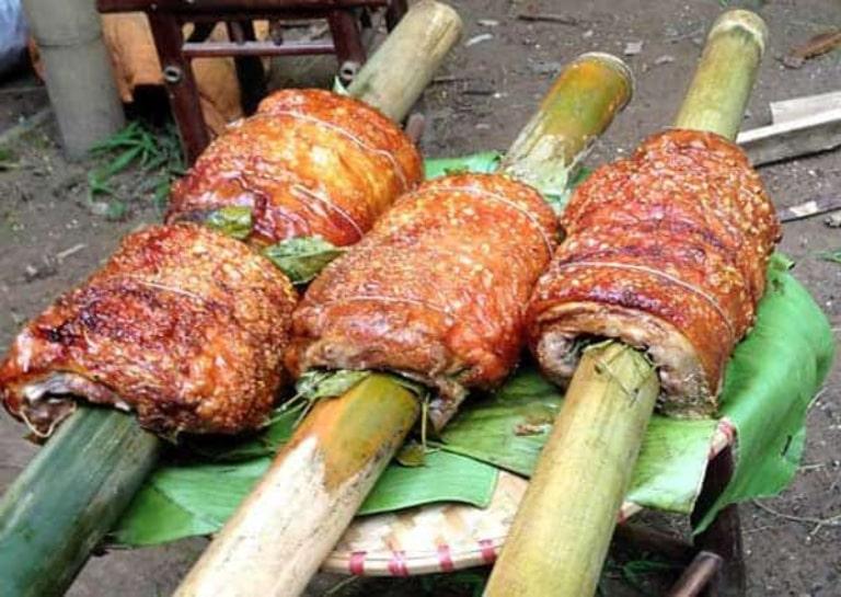 Món ăn được rất nhiều du khách đi tour Hà Giang bằng xe máy yêu thích