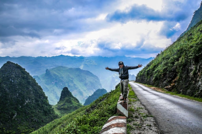 Con đường Hạnh phúc dẫn lên cao nguyên đá Đồng Văn