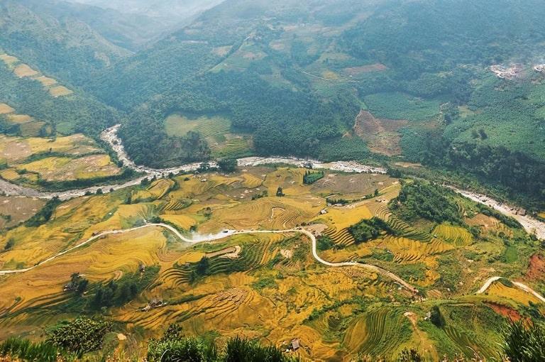 Địa điểm lý tưởng để chiêm ngưỡng những thửa ruộng bậc thang lúa chín vàng