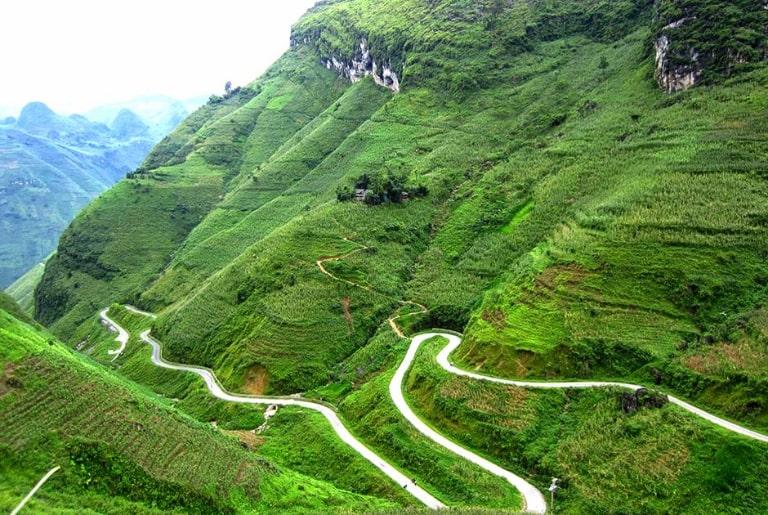 Con đèo nổi tiếng bậc nhất ở Hà Giang