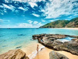 Bãi biển xanh đẹp tuyệt vời tại Bình Định