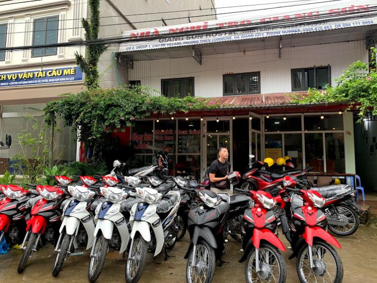 Cửa hàng Giang Sơn là nơi cho thuê xe máy Hà Giang khá nổi tiếng